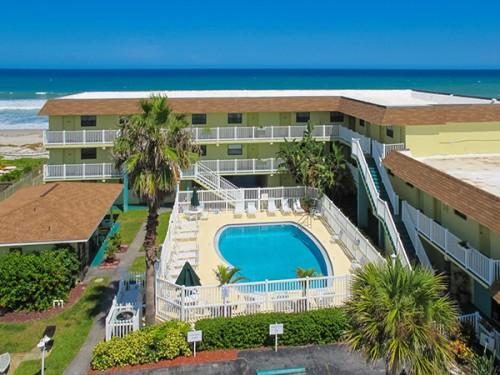 tuckaway-shores-oceanfront-hotel-melbourne-florida-aerial3